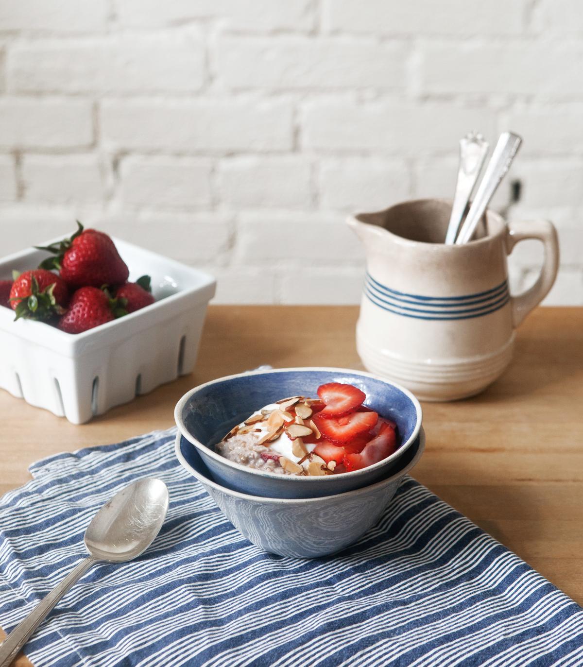 Chilled-Strawberry-Oatmeal__0020.jpg