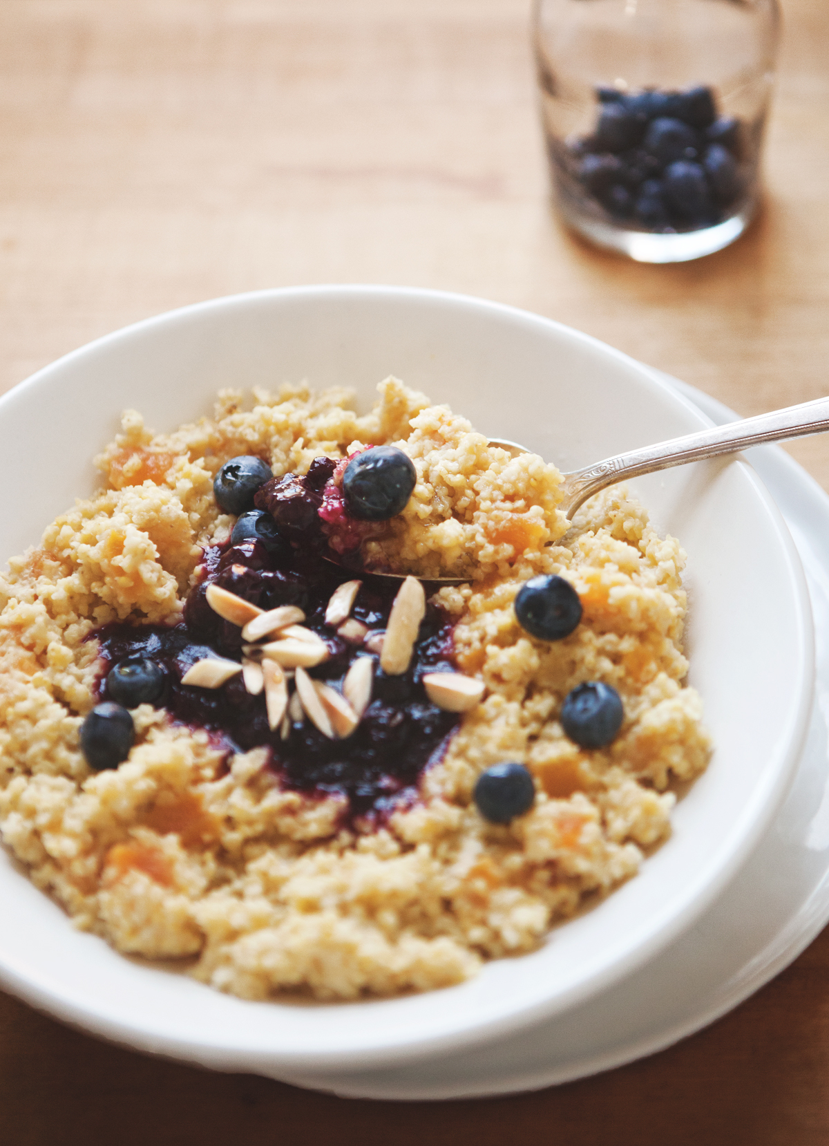 Honey-Apricot-Millet-with-Blueberry-Compote-and-Toasted-Almonds_0101.jpg