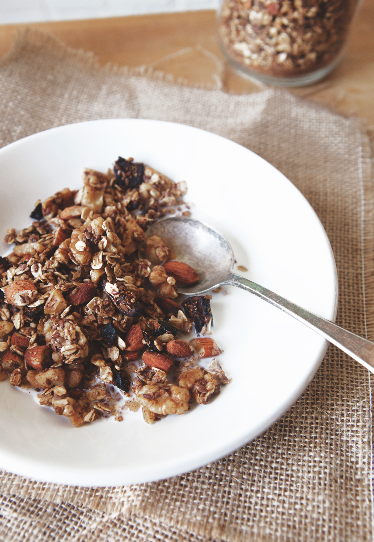 Winter-Fig-and-Spiced-Vanilla-Cereal_01.jpg