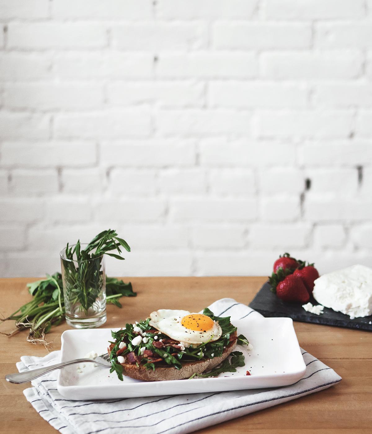 arugula-tartine-with-bacon-feta-and-taragon-vinaigrette.jpg