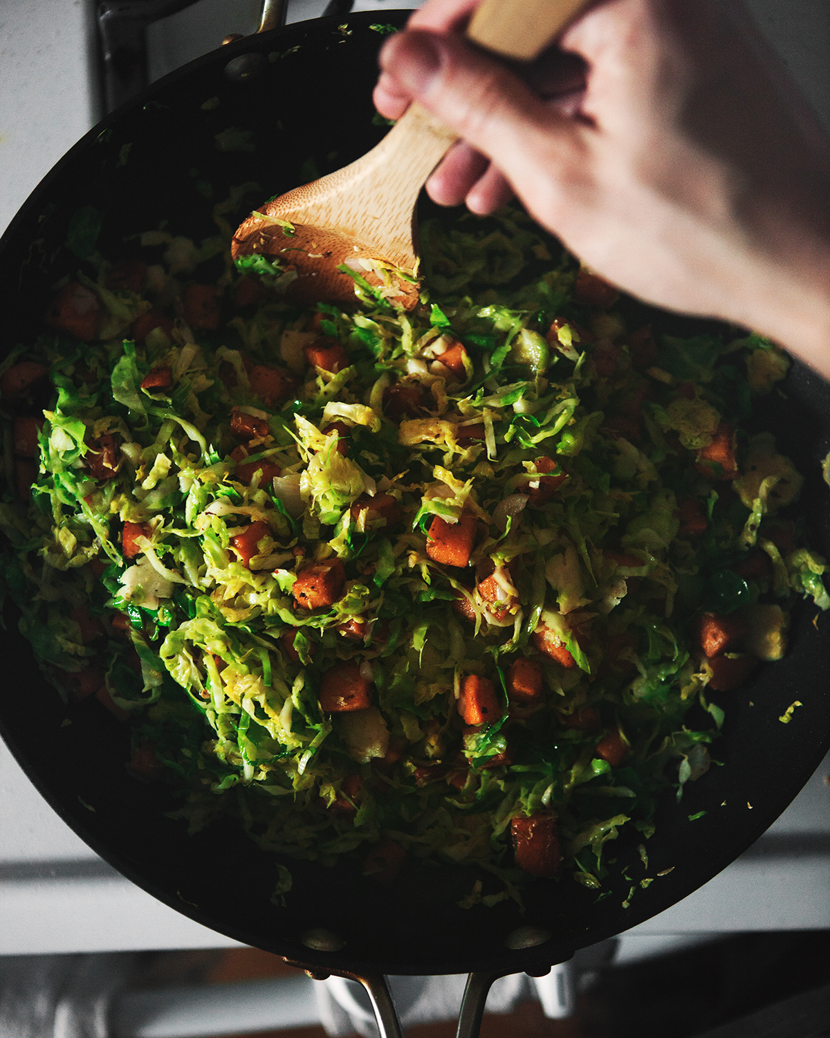 ABHSS_Brown-Butter-Pork-Chops-with-Sweet-Potato-Brussels-Sprouts-Hash-and-Roasted-Sweet-Peppers_0020.jpg