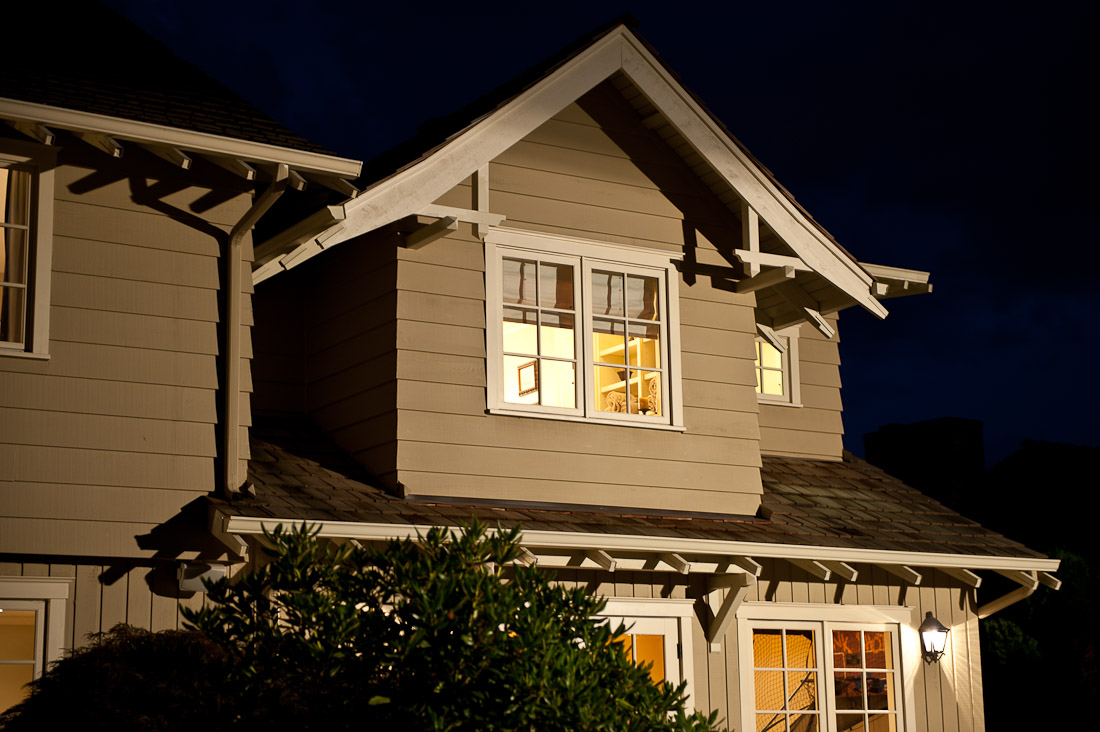 yarrow-point-remodel-back-exterior-seattle-paul-moon-design-architecture-2.jpg
