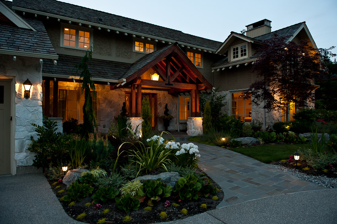 yarrow-point-remodel-front-exterior-seattle-paul-moon-design-architecture-2.jpg