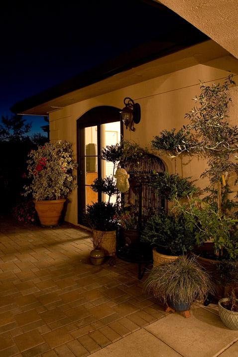 creswell-oregon-european-stucco-exterior-patio-paul-moon-design-architecture.jpg