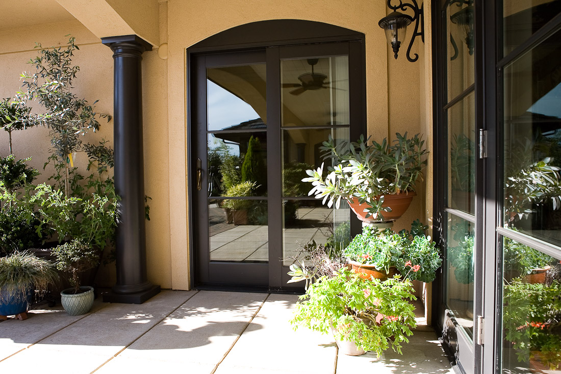 creswell-oregon-european-stucco-back-patio-paul-moon-design-architecture.jpg