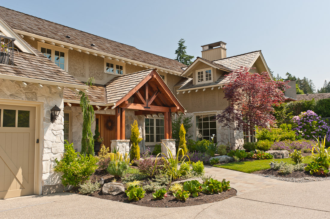 yarrow-point-remodel-exterior-front-landscape-paul-moon-design-seattle-architecture.jpg
