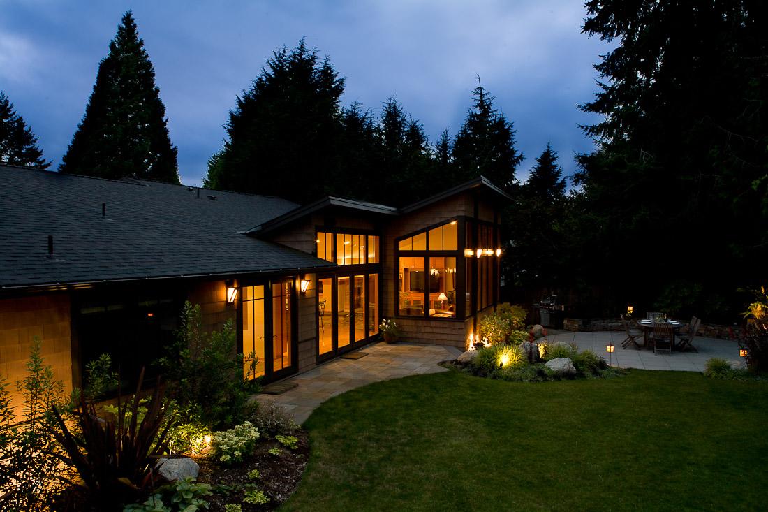 mercer-island-remodel-exterior-back-landscape-architecture-seattle-paul-moon-design-4.jpg