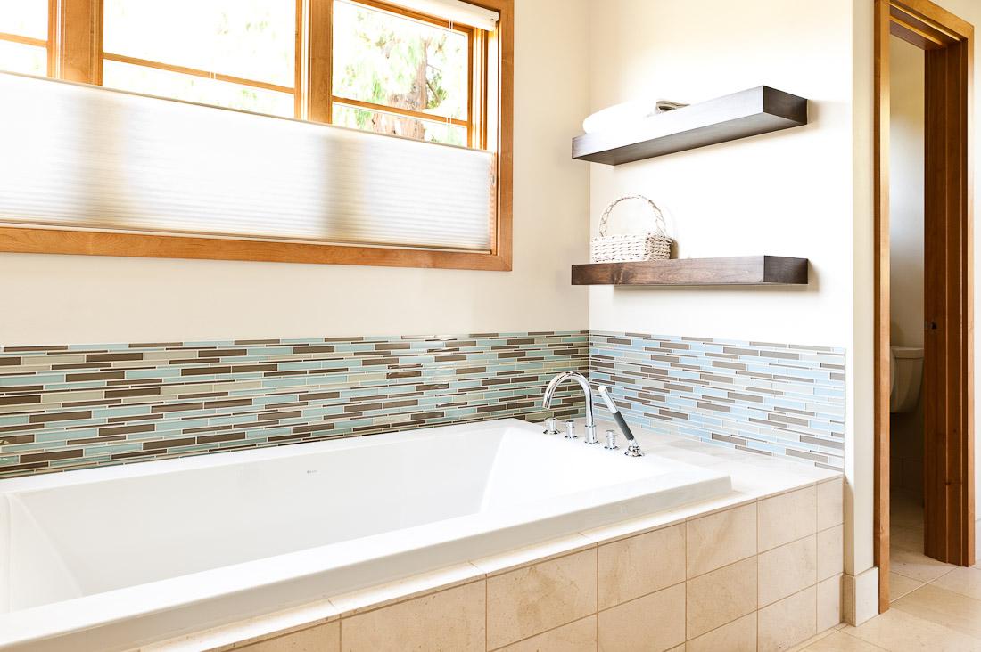 view-ridge-contemporary-remodel-bathroom-tub-seattle-paul-moon-design-architecture.jpg