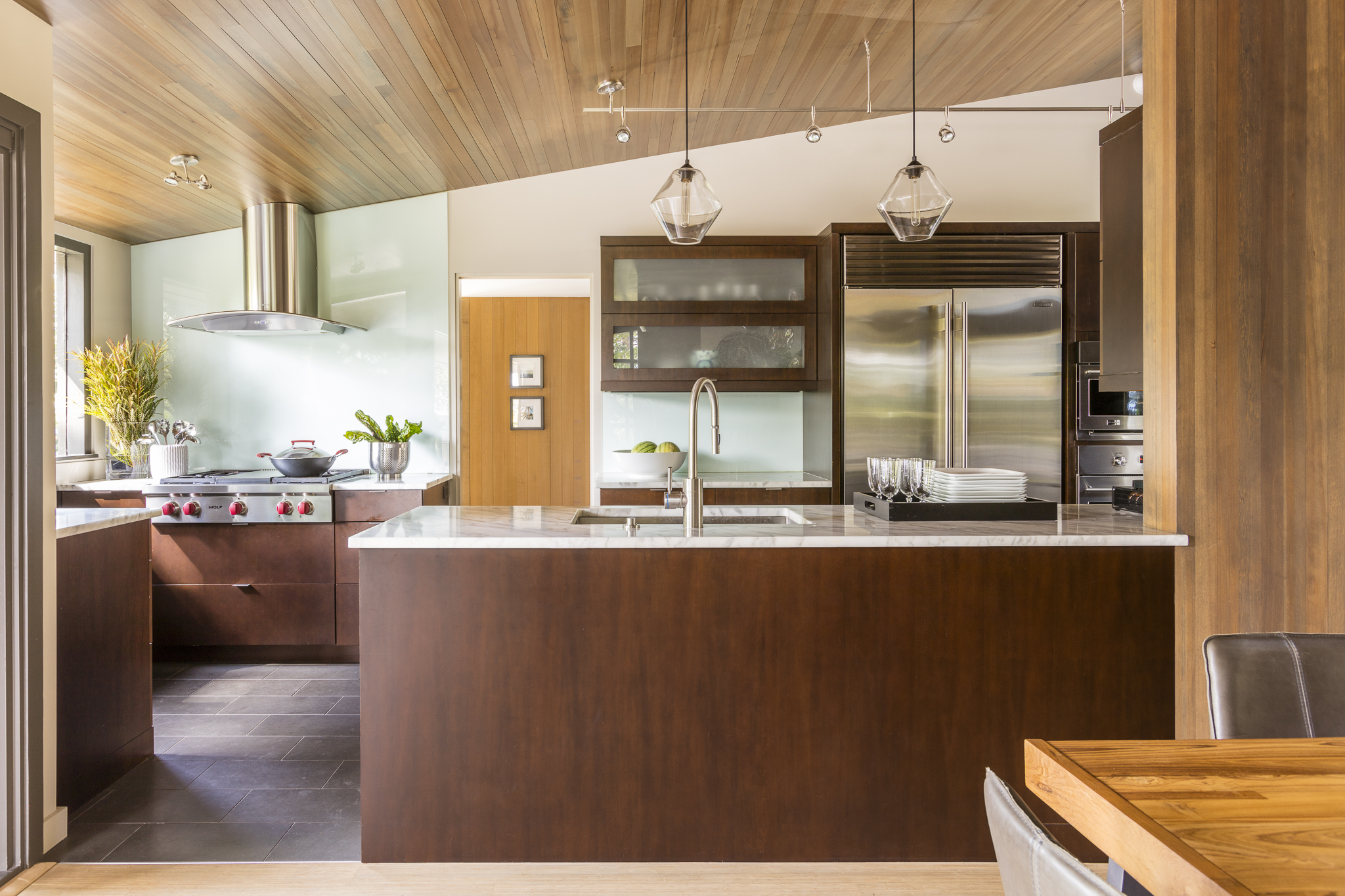 paul-moon-design-windermere-contemporary-kitchen.jpg