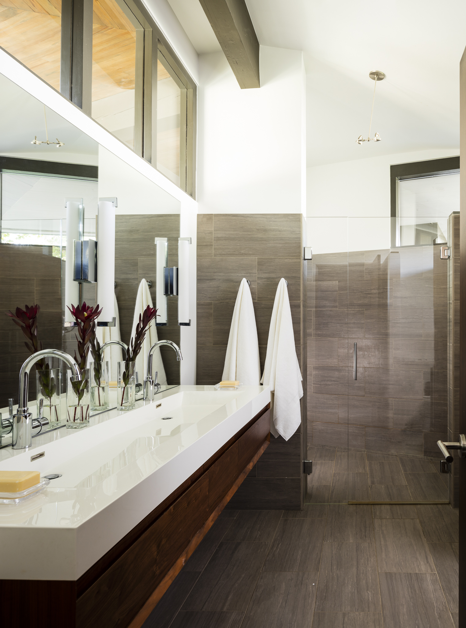 paul-moon-design-windermere-contemporary-master-bathroom.jpg