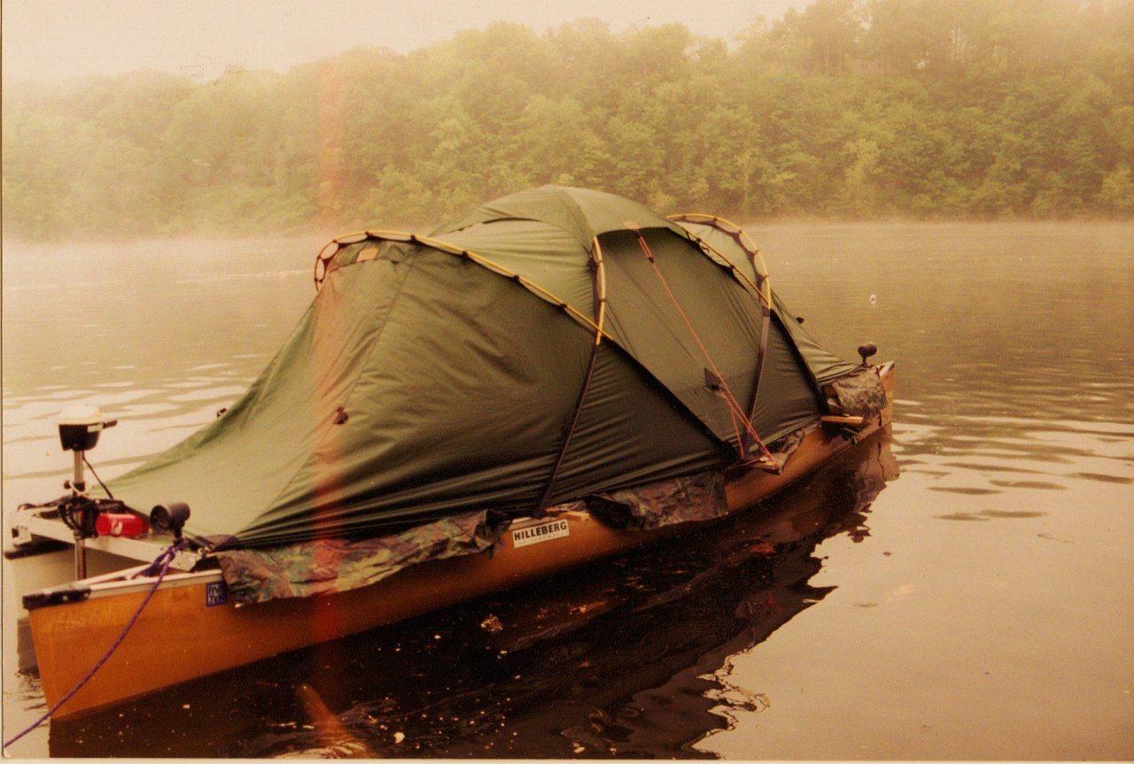 itstactical :     Tent House Boat via  georgebeast