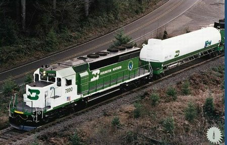 4532.LNG-locomotives.jpg-600x0.jpg