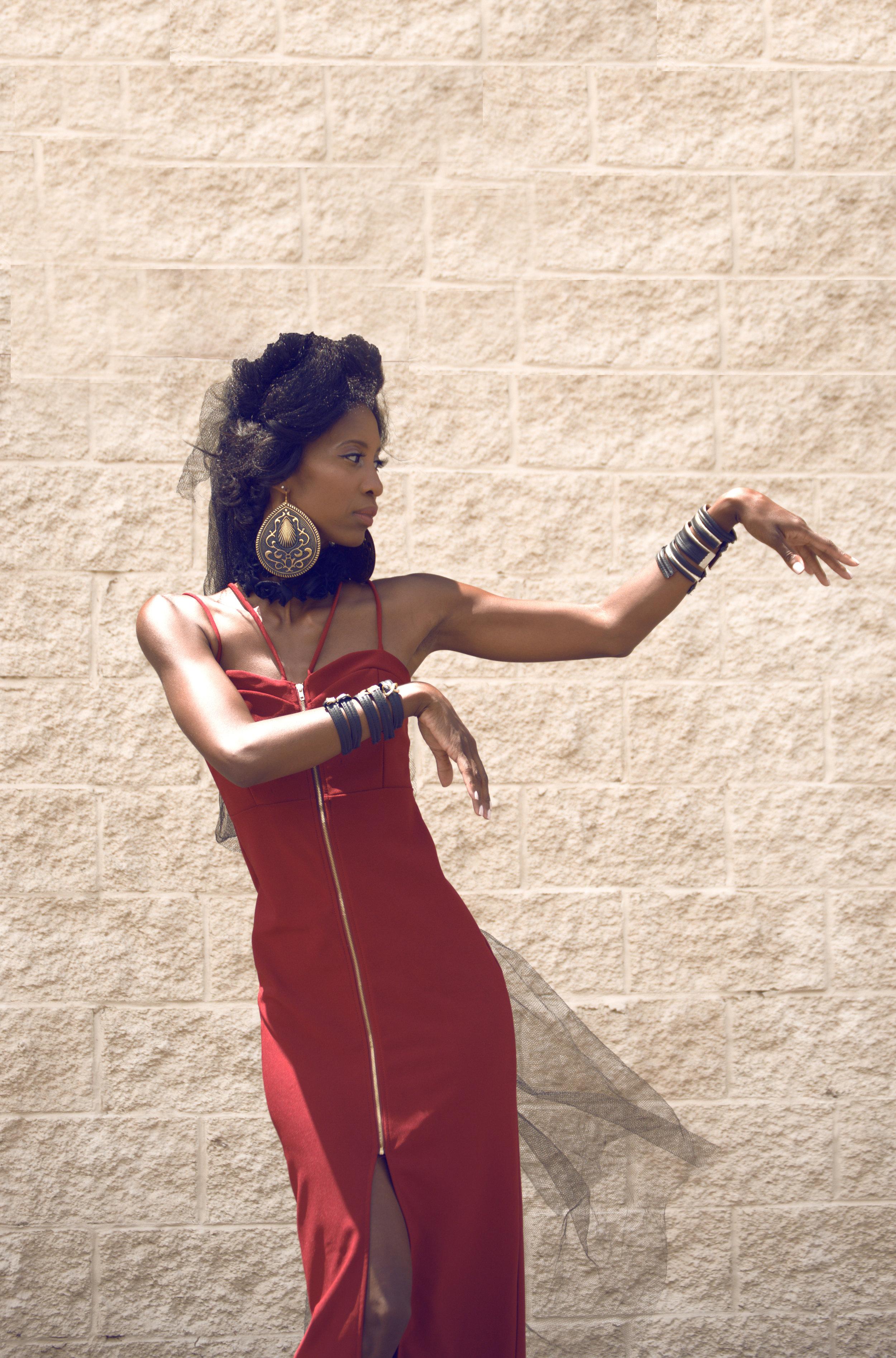Model- Black & Gold Fashions (2).jpg