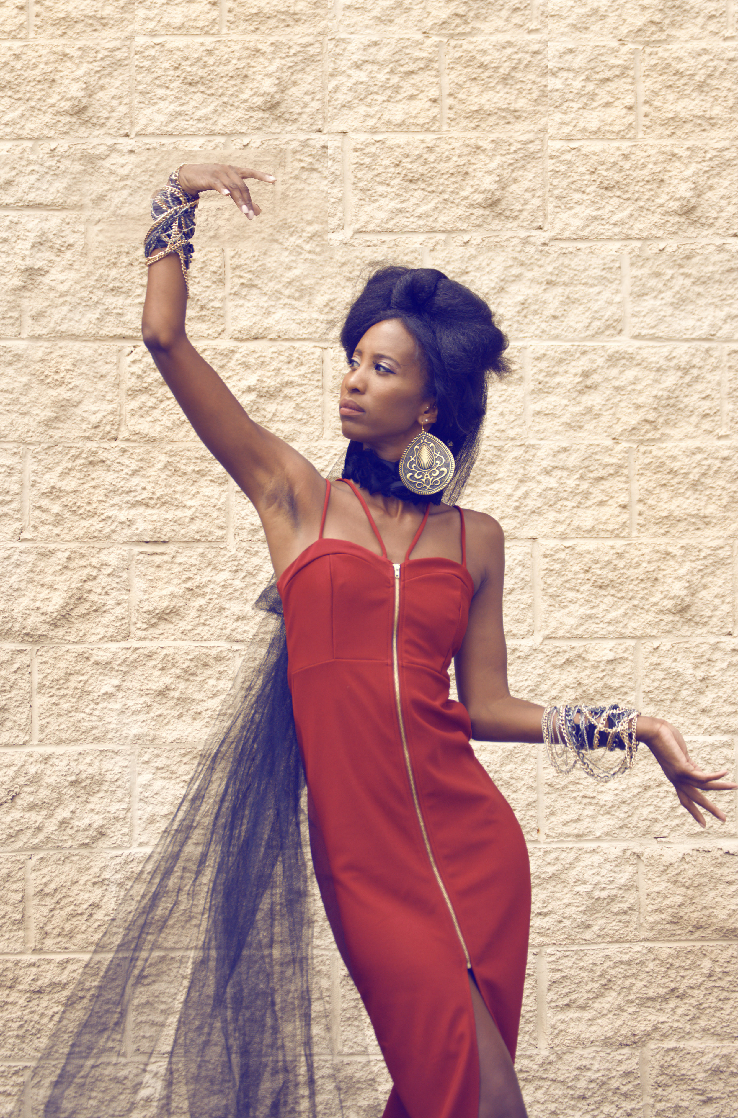 Model- Black & Gold Fashions (3).jpg