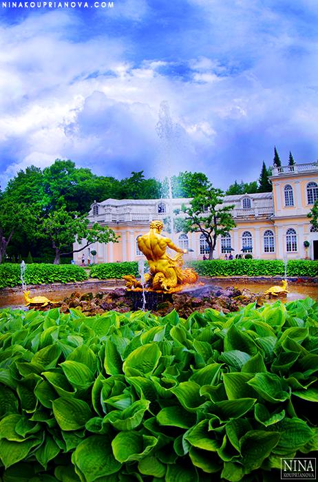 peterhof fountain 700 px with url.jpg