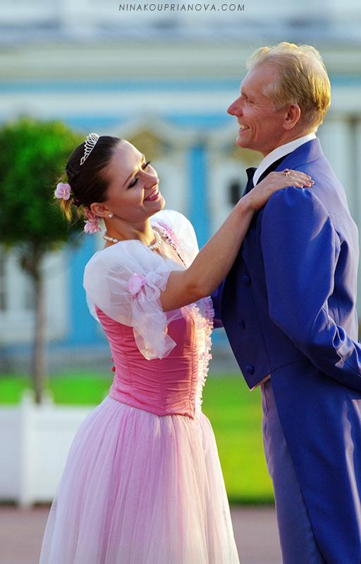 palace dancers 1 800 px url.jpg