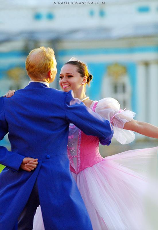 palace dancers 2 800 px url.jpg
