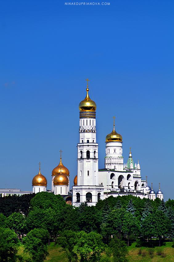 kremlin golden domes 850 px url.jpg