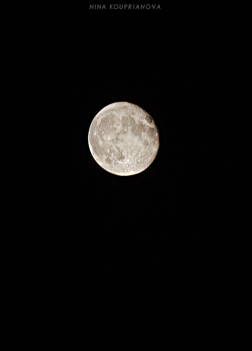 london moon 1 700 px url.jpg