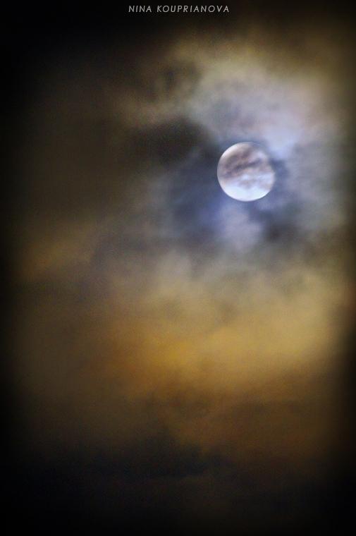london moon 13 750 px url.jpg