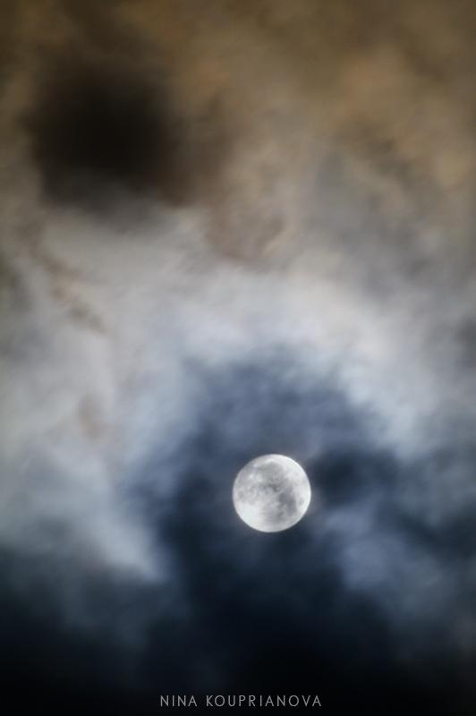 moon dec 15 f 800 px url.jpg