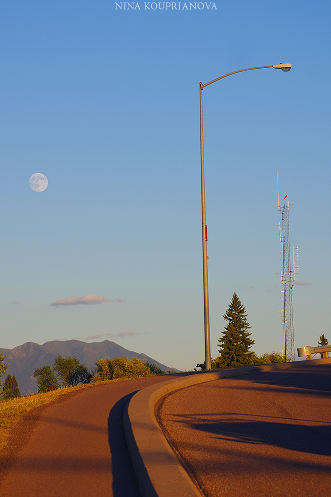 moon intersection 1000 px.jpg