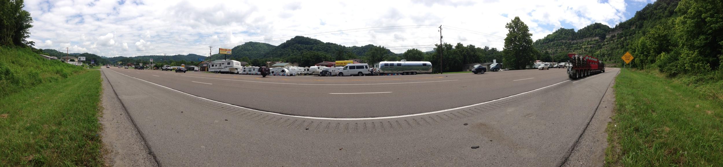 A non-descript RV repair shop on the side of the road.