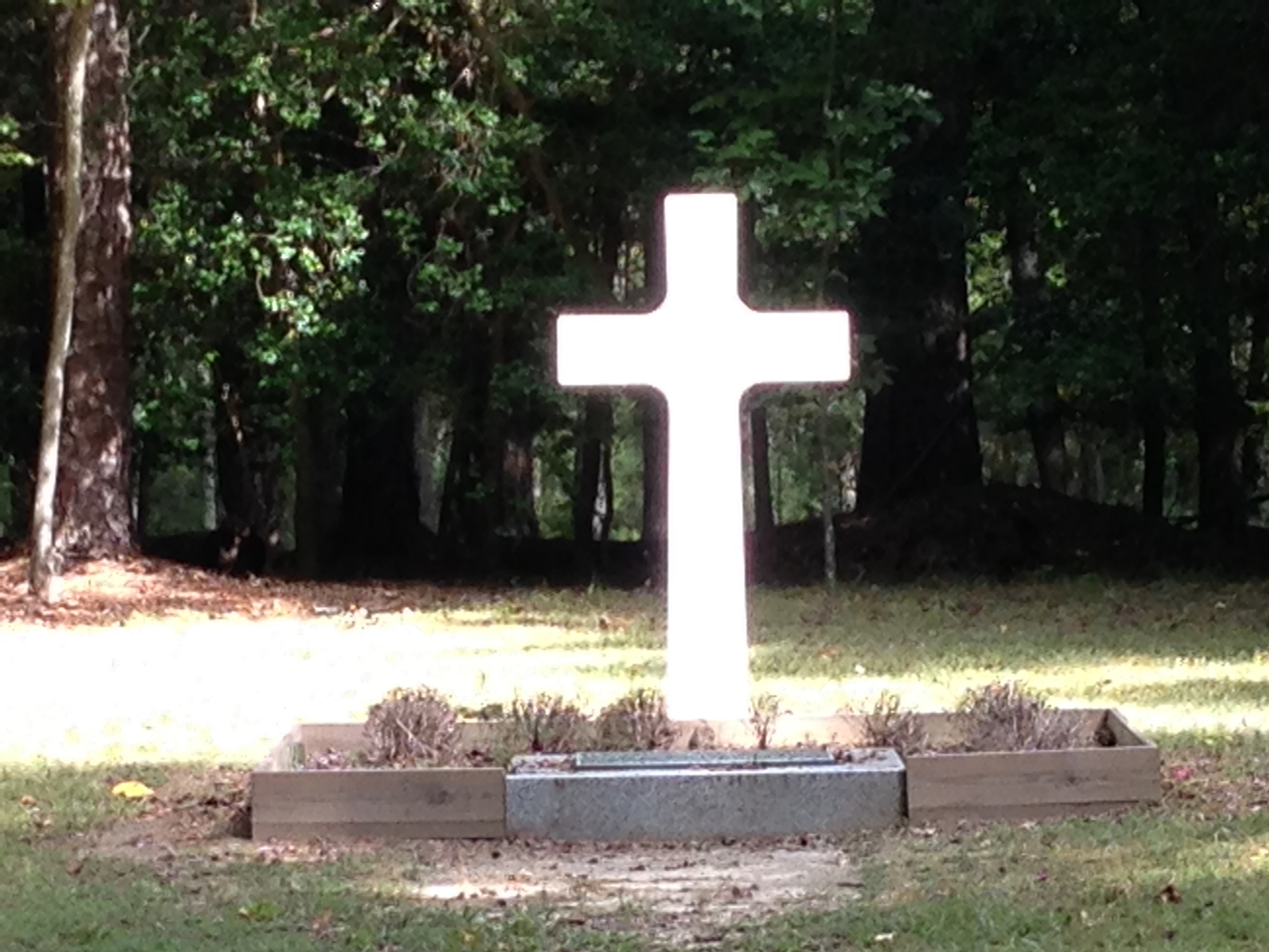 Gravesite of approximately 50 unknown French soldiers.  Their sacrifice helped achieve American independence.
