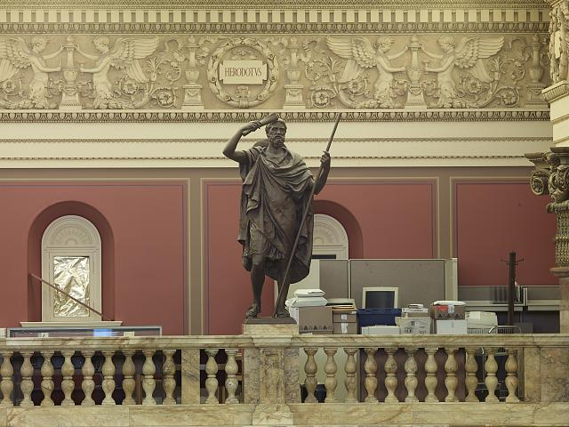 Herodotus as an exemplar of History by Daniel Chester French ( Image: Library of Congress ).