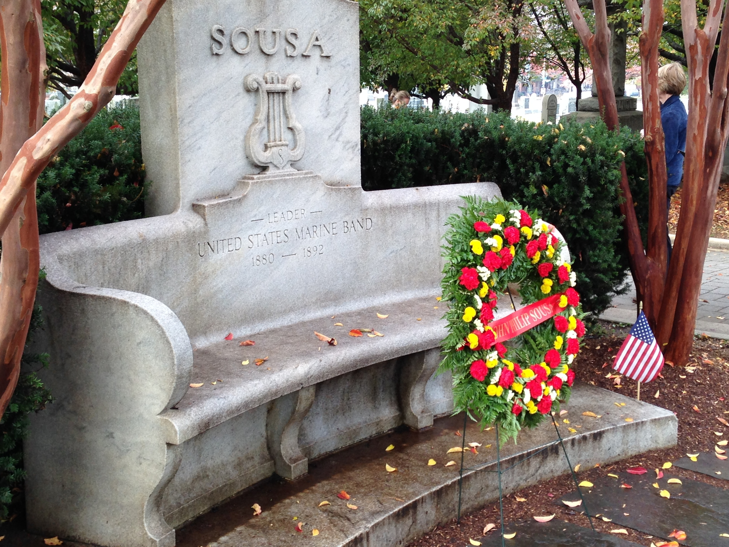 Sousa's grave was looking sharp this day.