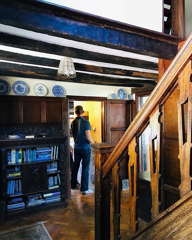 Tim's aunts 17c house in Lichfield,UK. Grade 2 listed. Tudor style. I felt like I was in a museum all afternoon long! #oldenglishhouse #tudorhouse #tudorstylehouse #britisharchitecture