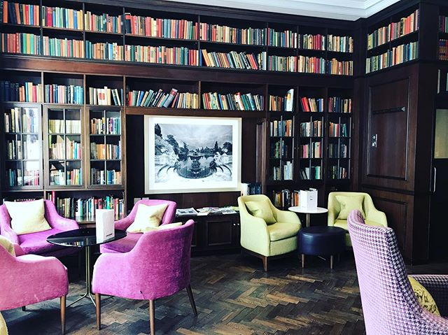Nothing like a library in you hotel! And a beautiful one at that. Too bad I won't have time to read anything while visiting London. Only 3 days here. #prettylittlelondon