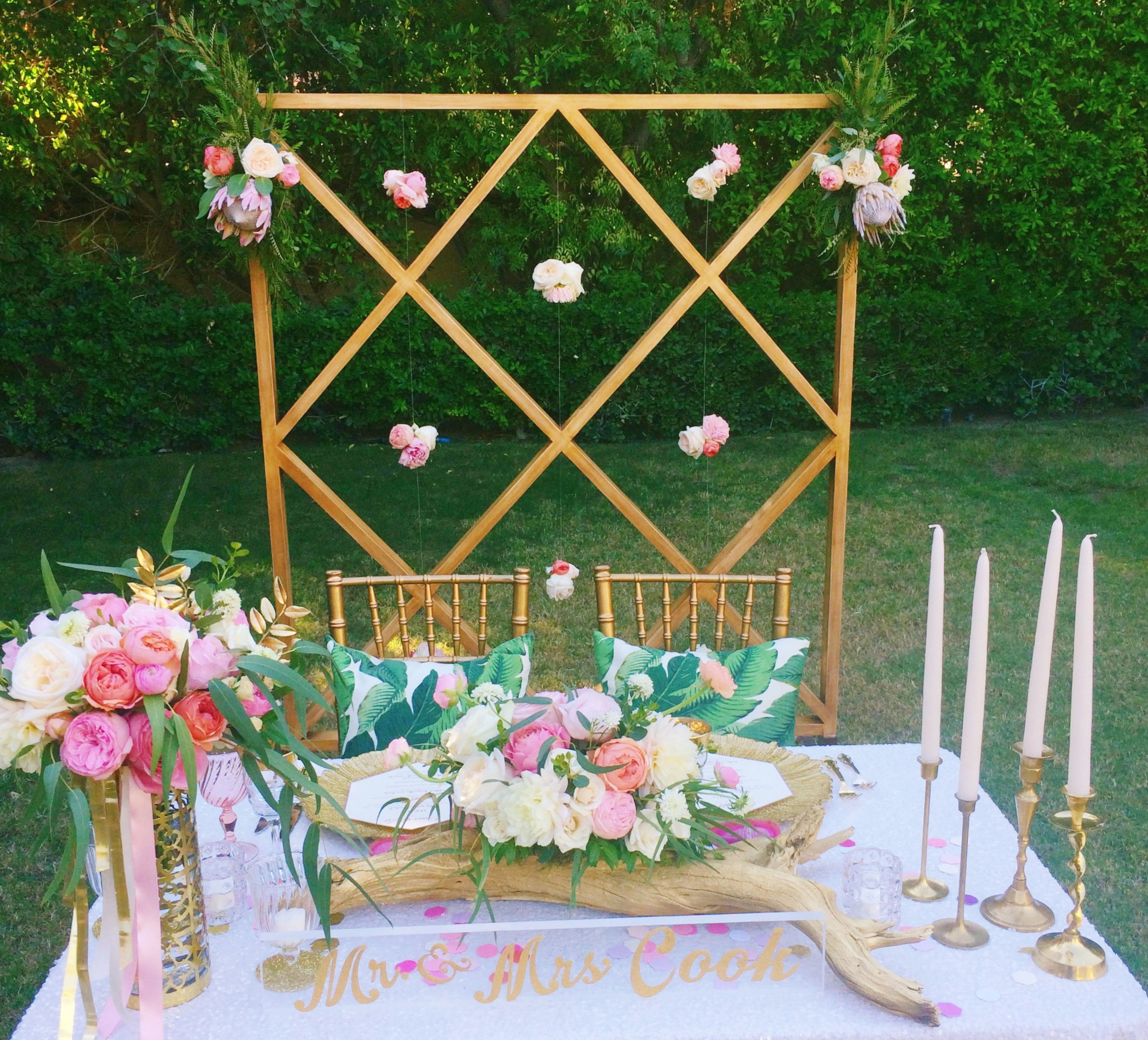 The lovely sweetheart table where we re-used the ceremony backdrop!
