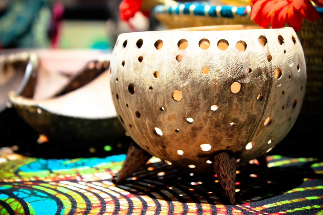 Teal-light holder coconut made by Africraft.jpg