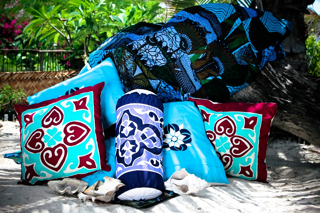 Hand applique pillow covers