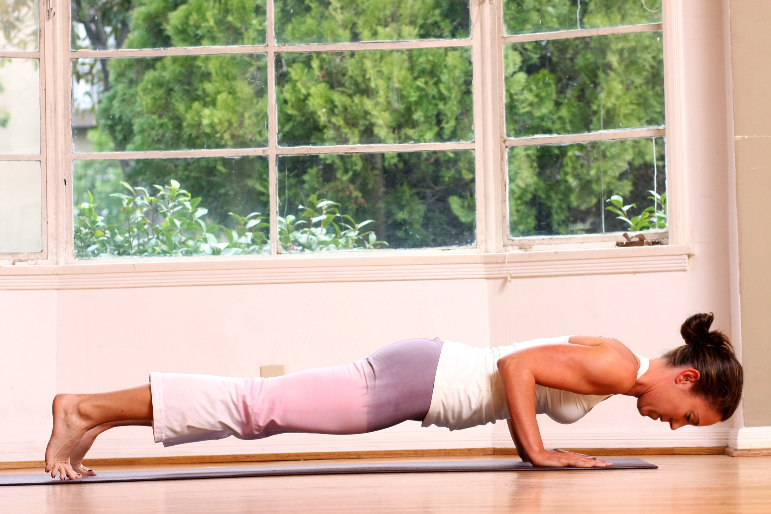 Chaturanga is practiced quite often in a vinyasa yoga class yet so many have difficulties with the posture. Here is what helped me.