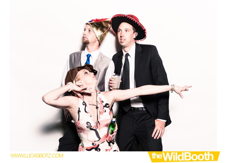 Kyla & Casey Wildbooth Blog-4.jpg