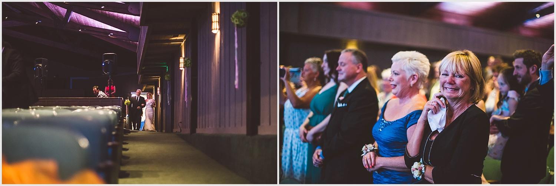 Old_Log_Theater_Minnetonka_wedding_photo_minneapolis_by_lucas_botz_photography_10.jpg
