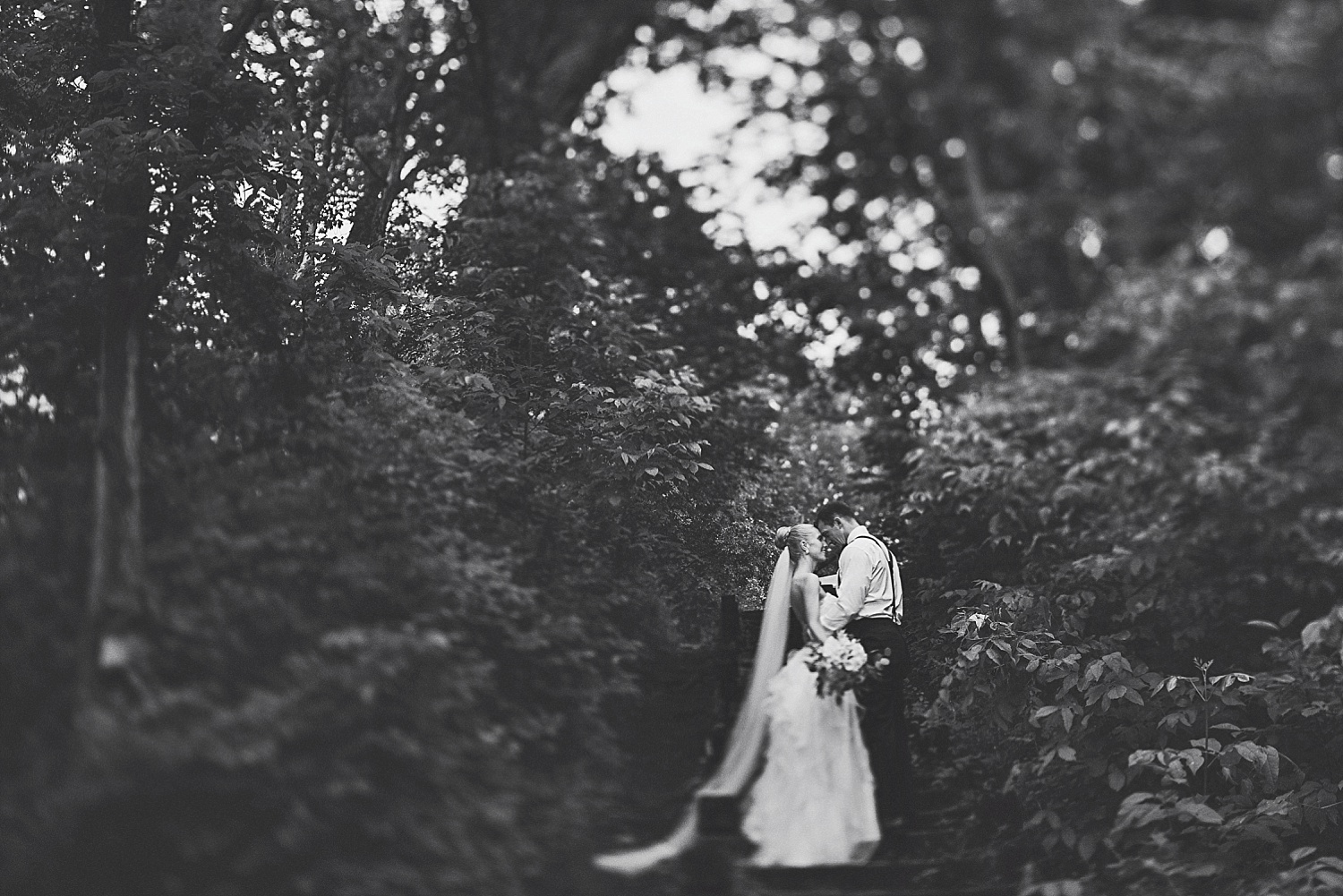 Tom_Alex_nicollet_island_wedding_by_lucas_botz_Photography_0039.jpg
