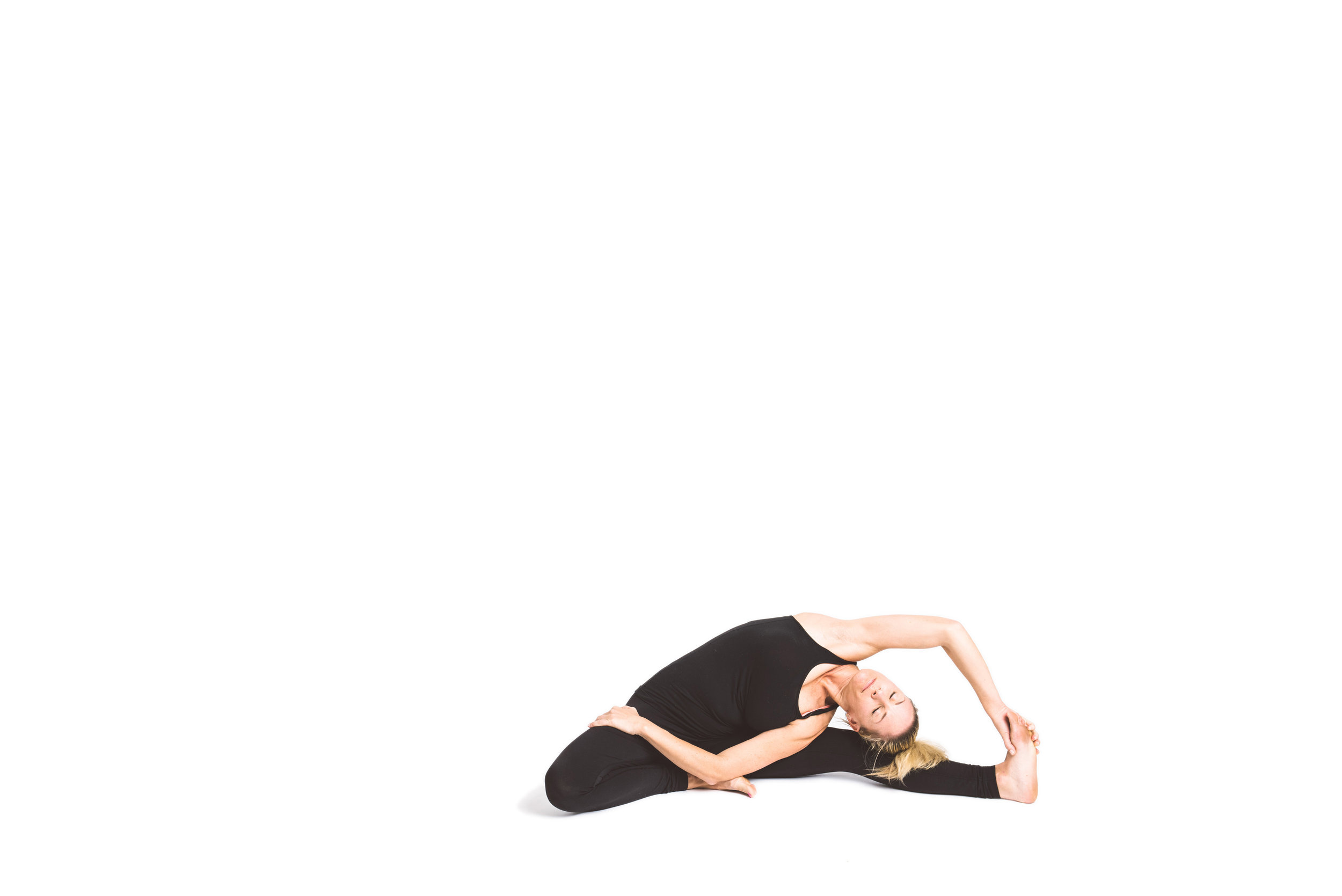 holy_yoga_by_lucas_botz_099.jpg