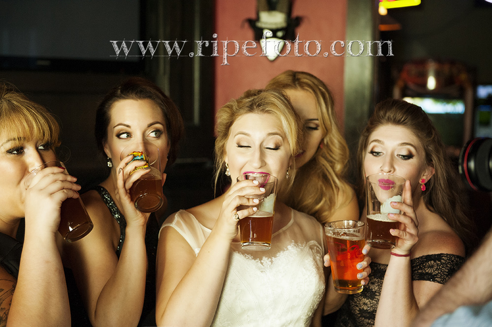 Ladies drinking at the the Midway Pub in Tacoma, Washington pre-wedding portrait by Ripe Photography, Oregon photographer.