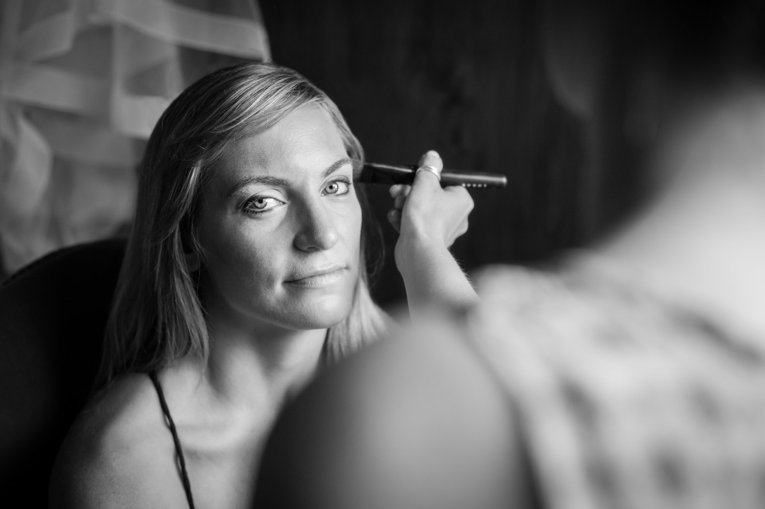 Portrait of bridal prep by wedding photographers at Ripe Photography in Siena, Italy.