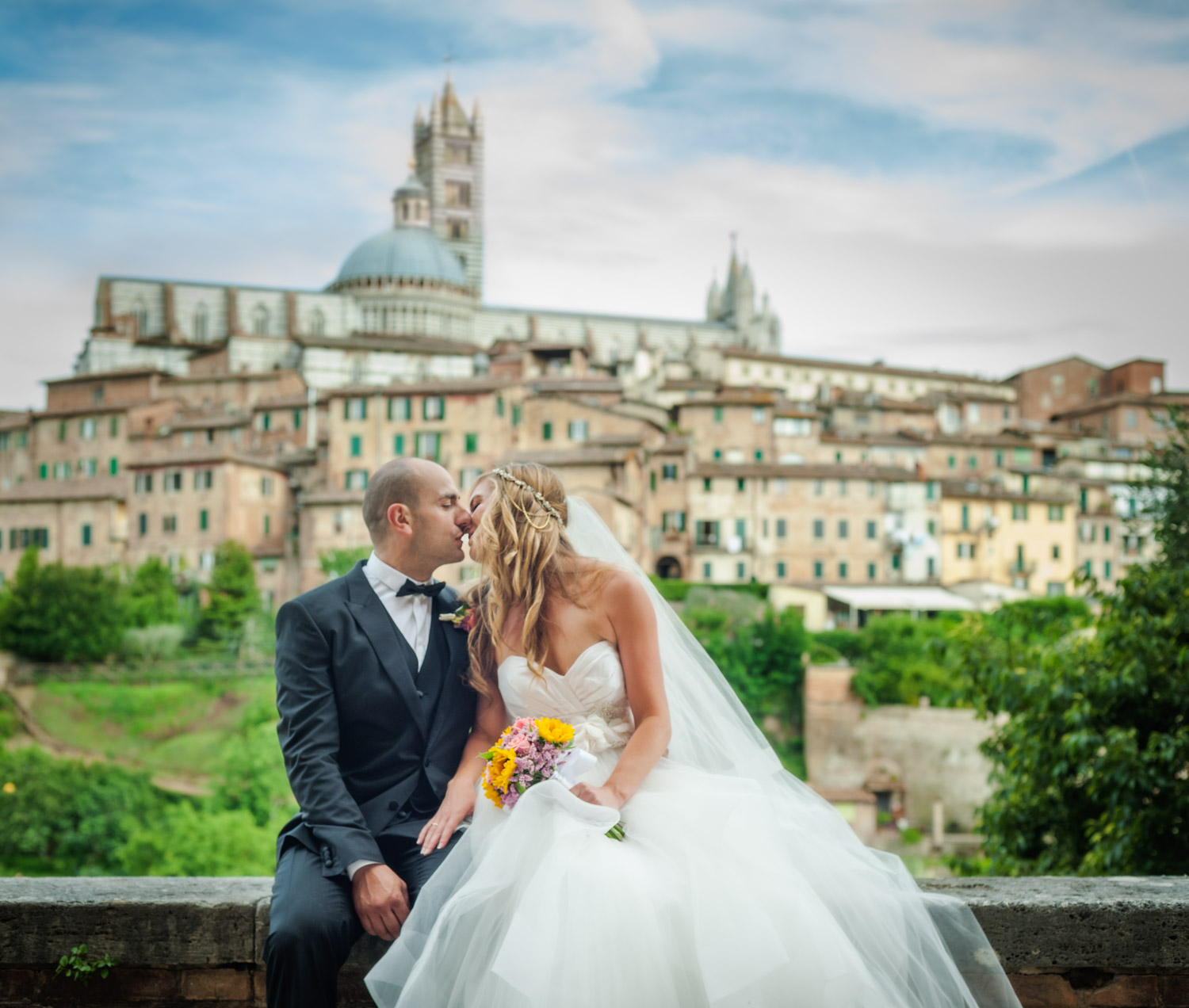Portrait of wedding by wedding photographers at Ripe Photography in Siena, Italy.