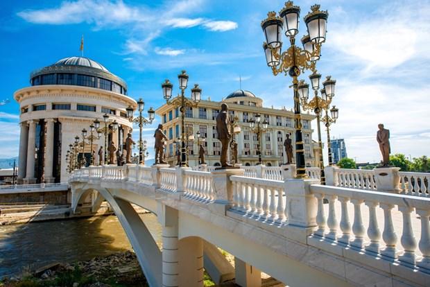 Statues lining bridge in Skopje (Dreamstime)