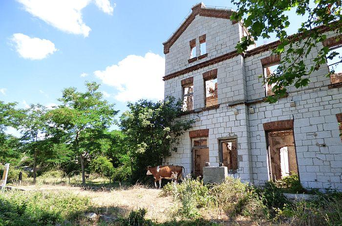 balkans-bosnia-rail-trail-abandoned-station.jpg