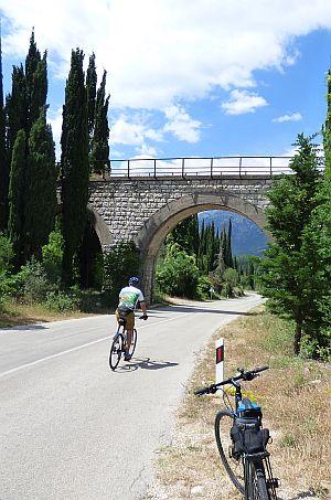 balkans-biking-bosnia-vert.jpg