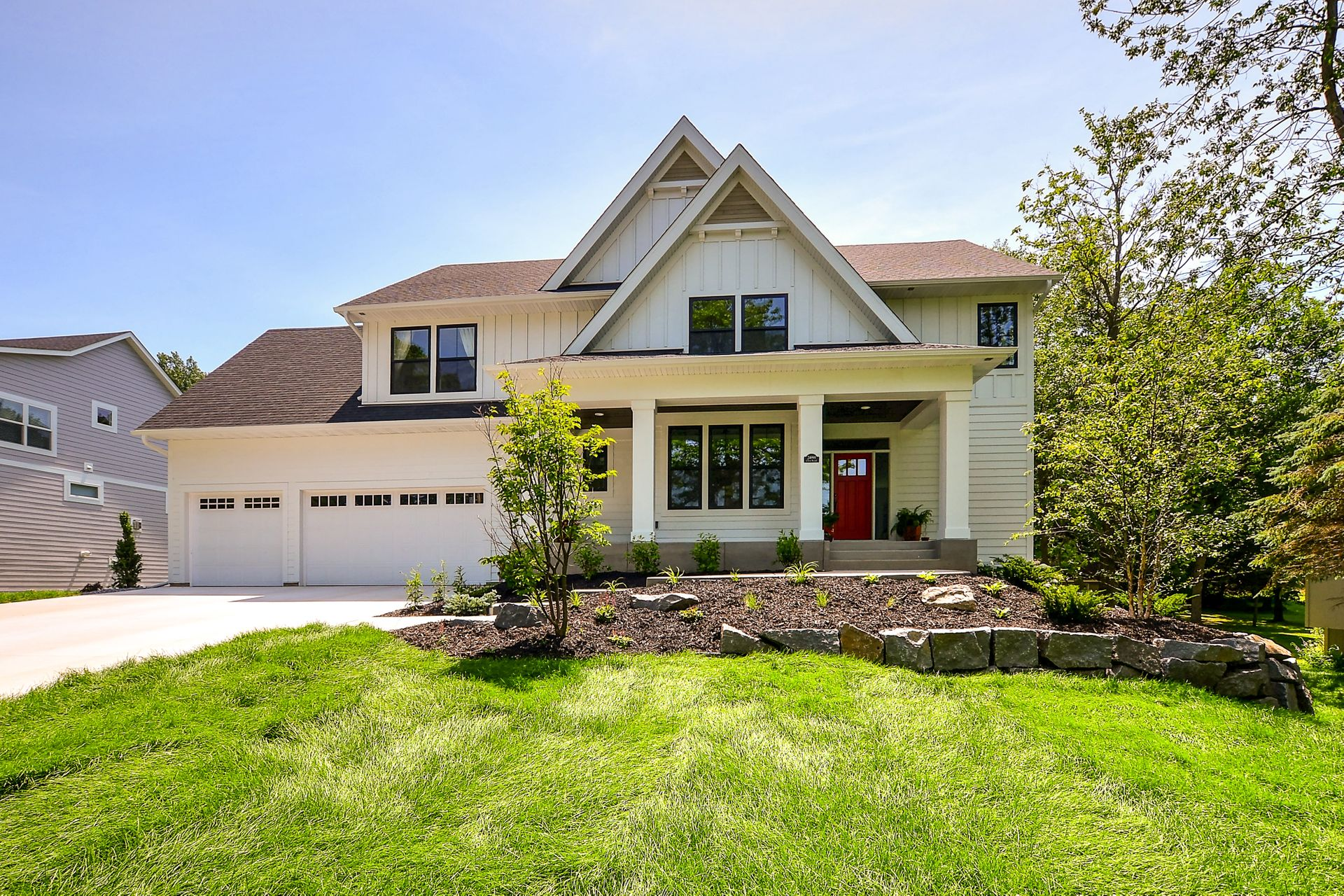 24995 Glen Road • Shorewood   Click on Image for a Complete Gallery of this home