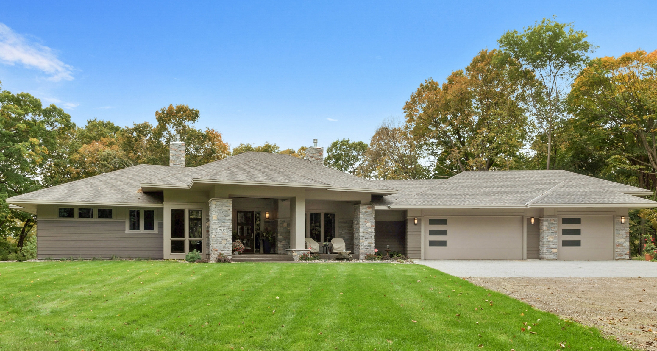 9555 Scott Street • Greenfield   Click on image for a complete gallery for this home.