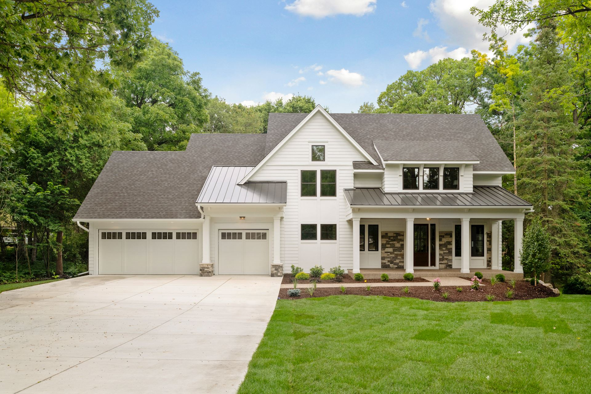5913 Hansen Road • Edina   Click on image for a complete gallery for this home.