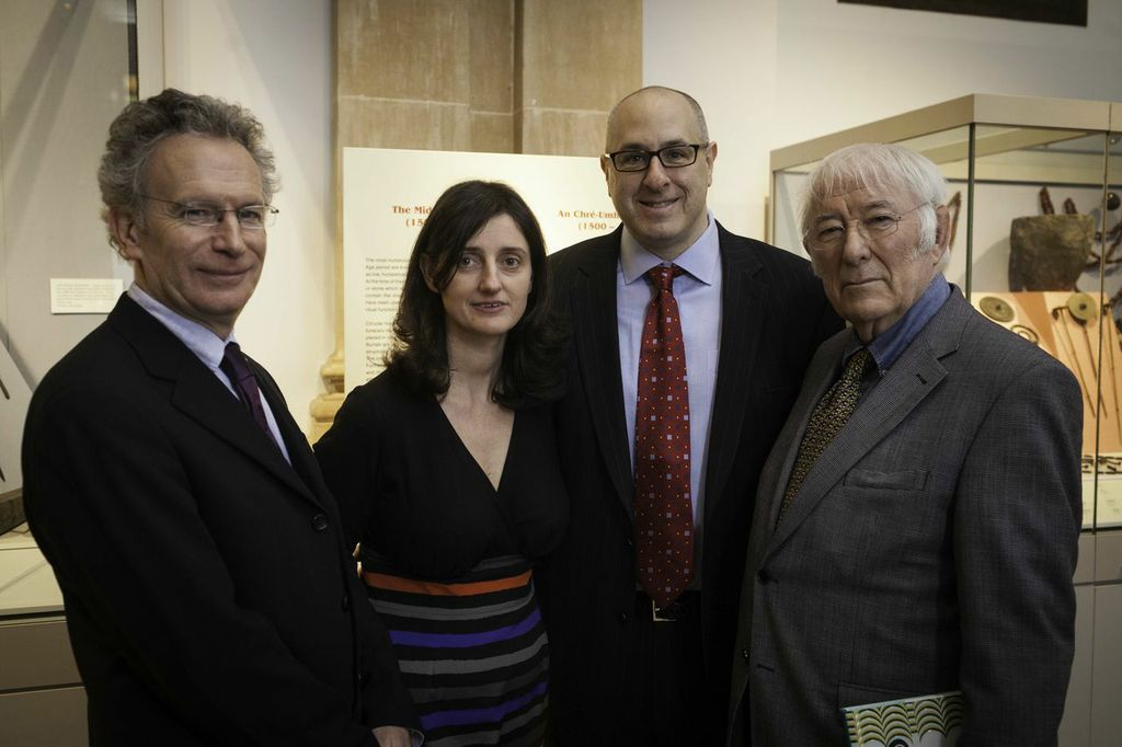 100 Objects  author  Fintan O'Toole,  RIA managing editor  Ruth Hegarty,  Joe Zeff Design president  Joe Zeff,  and Nobel laureate  Seamus Heaney  at the National Museum of Ireland.